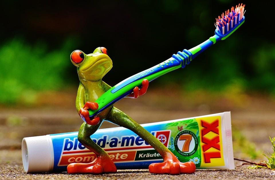 toothpaste-1446130_960_720
